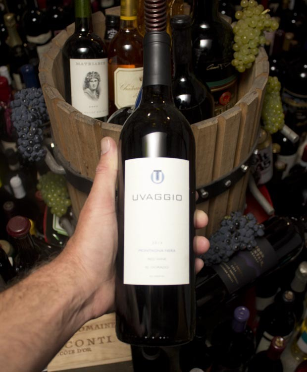 Uvaggio Montagna Nera Red Wine El Dorado 2016